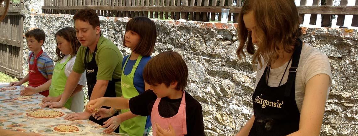 facciamo la pizza con i bambini al castello di gargonza