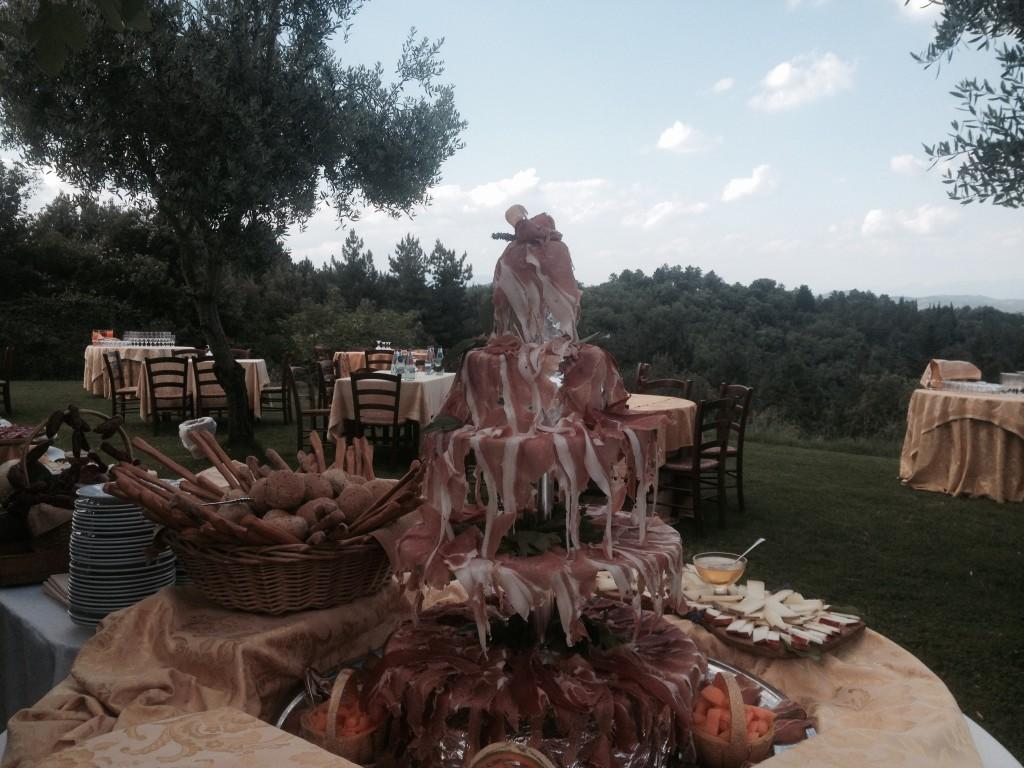 Buffet rustico toscano al Castello di Gargonza
